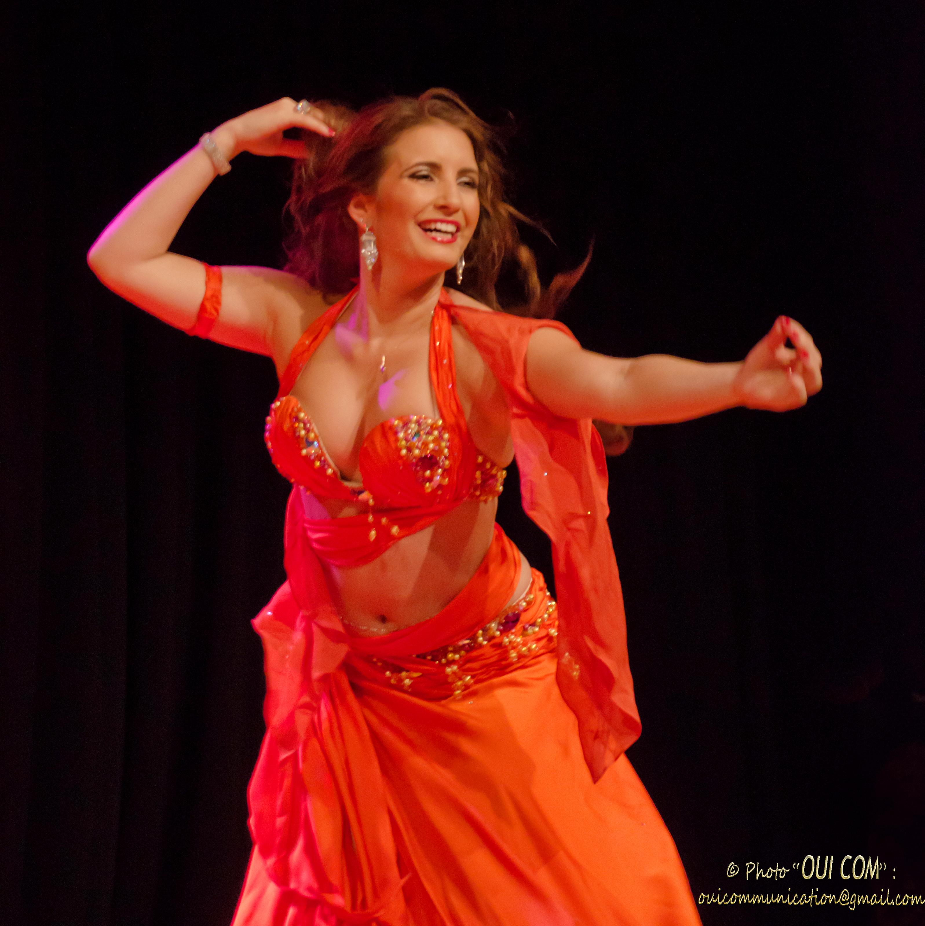 Ecole de danse & cours de danse orientale Paris - Yaël Zarca